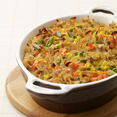 "Weight Watchers Tuna Noodle Casserole, 7 points, how to make this recipe good (which may alter the points): I love that this recipe doesnt call for any yucky ""cream of ____ soup"" Skinny Recipes, Ww Recipes, Seafood Recipes, Great Recipes, Cooking Recipes, Favorite Recipes, Healthy Recipes, Tuna Noodle Casserole Recipe, Casserole Recipes"