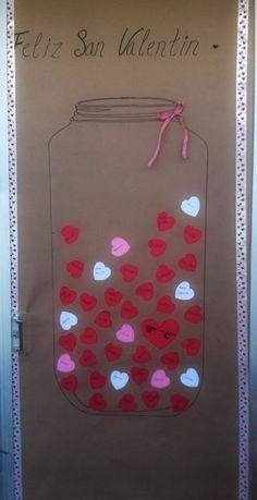 Puerta decorada del día de San Valentin