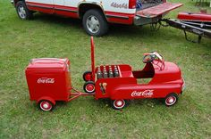 This is a Real Nice Coca Cola pedal car & Trailer. now just need to find a Pepsi version. Antique Toys, Vintage Toys, Vintage Signs, Car Jokes, Always Coca Cola, Car Trailer, Trailers, Kids Ride On, Pedal Cars