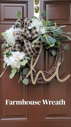 Diy Fall Wreath, White Wreath, Summer Wreath, Holiday Wreaths, Wreath Ideas, Wreath Crafts, Hydrangea Wreath, Farmhouse Decor, Farmhouse Fall Wreath