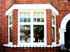 Whatever style you're looking for your home, choose the best design and material to restore or update it sympathetically. Here are some of the latest windows available, from classic casement style to balcony windows. Sash Windows, House Windows, Windows And Doors, Front Windows, 1920s House, Edwardian House, Victorian Houses, Bay Window Living Room, Victorian Homes Exterior