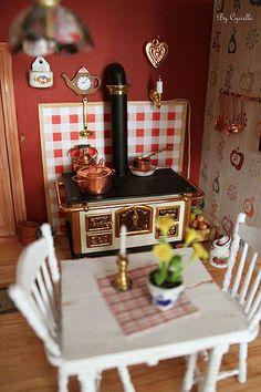 dollhouse kitchen. miniatures.