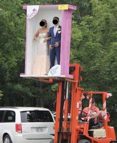 16 Times Weddings Were Just Truly Beyond Extra Wedding Photo Fails, Wedding Photos, Wedding Day, Blackpool, Barbie E Ken, Got Busted, Online Group, The Lucky One, Getting Fired