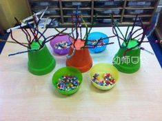 Pipe cleaner flower pot trees and pony beads fine motor skills activity. Cheerios would work too! Montessori, Motor Skills Activities, Gross Motor Skills, Nursery Activities, Preschool Activities, Fine Motor Skills Development, Physical Development, Finger Gym, Funky Fingers