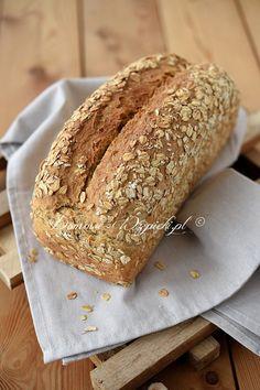 Chleb z płatkami owsianymi i serkiem na zakwasie Food And Drink, Bread, Sweet, Kitchen, Candy, Cooking, Brot, Kitchens, Baking