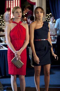 Cocktail Dresses Emily Thorne / VanCamp in Revenge Fashion Tv, Star Fashion, Look Fashion, Fashion Outfits, Fashion Trends, Fashion Face, Emily Thorne, Revenge Tv Show, Revenge Abc