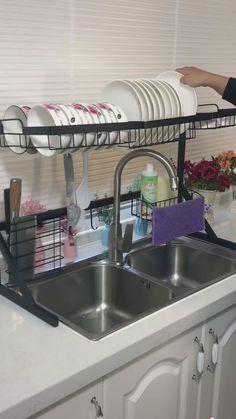 Kitchen Cupboard Designs, Cool Kitchen Gadgets, Diy Kitchen Decor, Diy Kitchen Storage, Camper Makeover, Cupboard Design, Kitchen Design, Kitchen Sink Sizes, Interior Design Kitchen