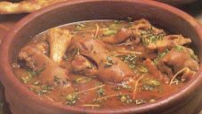 Chicken Nihari Recipe by Chef Zakir Curry Recipes, Meat Recipes, Indian Food Recipes, Cooking Recipes, Ethnic Recipes, Nihari Recipe, Pakistan Food, Curry Spices, Desi Food
