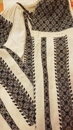 Folk Costume, Costumes, Palestinian Embroidery, Dream Dress, Traditional Outfits, Cross Stitch, Album, How To Wear, Clothes