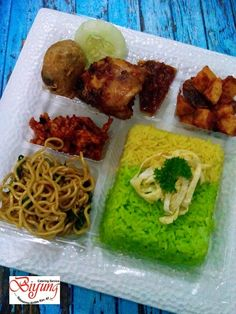 Snack Box, Bento Box Lunch, Catering Food, Catering Services, Food N, Food And Drink, Rice Box, Surabaya, Cooking Tips