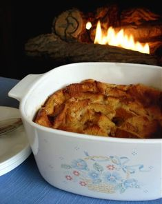 Make and share this Caramel Bread Pudding recipe from Genius Kitchen. Best Dessert Recipes, Easy Desserts, Delicious Desserts, Yummy Food, Dessert Food, Breakfast Recipes, Caramel Bread Pudding, 9x13 Baking Dish, Thing 1