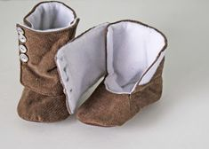 The boot is basically a tall backed slipper, then you sew a separate foot flap that is top stitched to one side, then velcros across the fro...