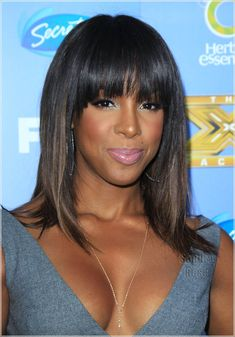 i love this hair on Kelly. Bangs and highlights. This maybe my fall look.