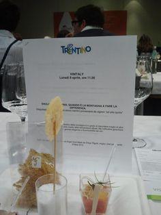 La degustazione ENOLOGIA TRENTINA, QUANDO È LA MONTAGNA A FARE LA DIFFERENZA http://www.vinitaly.com/areaVisitatori/degustazioni/day/2/dettaglio/440 — presso Verona Fiere.