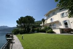 A waterfront villa for great vacation in Bellagio. Available for rent.