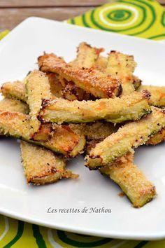 Courgettes au parmesan pour l'apéro : 2 courgettes, 2 œufs, chapelure, parmesan râpé frais, huile d'olive, sel et poivre. Couper les courgettes en bâtonnets. Huiler un plat à gratin. Battre les oeufs dans une assiette creuse. Saler et poivrer. Verser la chapelure dans une autre assiette. Passer les bâtonnets dans les oeufs puis dans la chapelure. Les déposer dans le plat à gratin et parsemer de parmesan. Enfourner à 200° 30 minutes jusqu'à ce que les courgettes soient bien dorées.