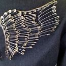 Safety pin wings on a blazer DIY. Rocker looking, I want to try this!