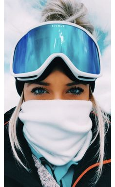 The Goggles GuideThe basic function of any snow goggles is to enhance your visio. The Goggles GuideThe basic function of any snow goggles is to enhance your vision on the slopes by protecting Snowboards, Photo Ski, Mode Au Ski, Ft Tumblr, Snowboarding Outfit, Snowboarding Women, Snow Pictures, Winter Pictures, Winter Photography
