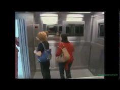 ¿Cómo reaccionariais si os encontrarais una niña fantasma en el ascensor? Vídeo que está arrasando en las redes sociales.  //  ¿Com reaccionarieu si us trobéssiu una nena fantasma a l'ascensor? Vídeo que està arrasant a les xarxes socials.