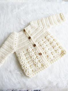 Textured Crochet Baby Sweater Pattern. Modelli Maglione NeonatoMaglioni Per  Bambini ... 9b491911c8a
