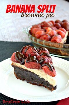 Banana Split Brownie Pie from http://www.insidebrucrewlife.com - brownie pie topped with banana  cheesecake and strawberries #pie #brownies #cheesecake