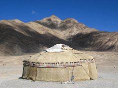 A good old yurt on a fine day. Murghab, Tajikistan. http://www.indostan.ru/blog/1_2110_2.html… #silkroad