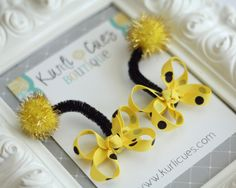 Itty Bitty Bumble Bee Antennae Snap Clips - Perfect for Birthdays and Costumes Ribbon Hair Clips, Diy Hair Bows, Ribbon Bows, Halloween Bows, Halloween Birthday, Bumble Bee Birthday, Hair Bow Tutorial, Bee Party, Ribbon Sculpture