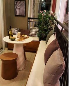 50 Comfy Apartment Balcony Decorating Ideas on A Budget Apartment Balcony Decorating, Apartment Balconies, Cool Apartments, Apartment Living, Small Balcony Design, Small Balcony Decor, Tiny Balcony, Ideas Terraza, Porches