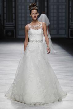 Kahlan Amnell Wedding Dress