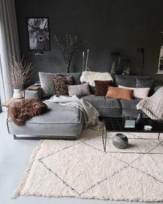 7 Modern and comfortable living rooms that will make your fall simply amazing - . , , 7 Modern and comfortable living rooms that will make your fall simply amazing - Daily Dream Decor. Living Room Decor Grey Couch, Boho Living Room, Living Room Interior, Home And Living, Small Living, Modern Living, Cozy Living, Grey Living Rooms, Masculine Living Rooms