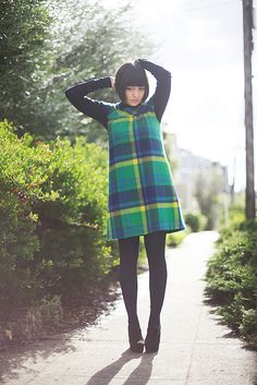 Vintage plaid shift dress. Styling/photography by calivintage.