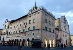 Foligno Umbria: Piazza della Repubblica