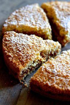 doce ricotta e amaretti Gateau Cake, Torte Cake, Sweet Pie, Sweet Bread, Pie Dessert, Dessert Recipes, Happiness Recipe, Biscotti, Gula