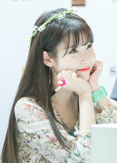 IU Iu Twitter, Pretty Korean Girls, Kim So Eun, Iu Fashion, Korean Actresses, Ulzzang Girl, Korean Beauty, Korean Singer, Kpop Girls