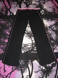 mustia housuja, joustavat ja miel.kuminauhavyötäröllä, Koko sais olla jou 52 tai XXL Bell Bottoms, Bell Bottom Jeans, Pants, Fashion, Trouser Pants, Moda, Fashion Styles, Women's Pants, Women Pants