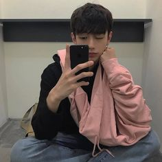 Find images and videos about pink, boy and aesthetic on We Heart It - the app to get lost in what you love. Pretty People, Beautiful People, Little Boy Blue, Asian Eyes, Asian Cute, Boy Photos, White Boys, Ulzzang Fashion, Ulzzang Boy
