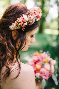 Brautstrauß von #millesfleurs #hannover Foto: #whiteweddingphotography makeup: #riasaage #pfingstrosen #pheonien #eucalyptus #haarkranz #flowercrown #boheme #bouquet #love #bestday #love #goodday #wedding #party #weddingparty #celebration #bride #groom #bridesmaids #happy #happiness #unforgettable #love #forever #weddingdress #weddinggown #weddingcake #family #smiles #ceremony #romance #marriage #weddingday #flowers #celebrate