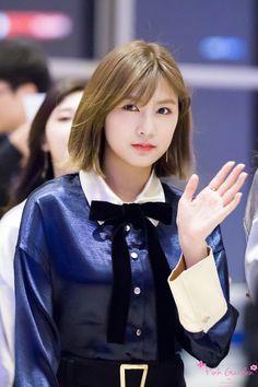 seven springs of apink ♡ Kpop Girl Groups, Korean Girl Groups, Kpop Girls, Indian Princess, My Princess, Oh Hayoung, Fashion Models, Girl Fashion, Pink Panda