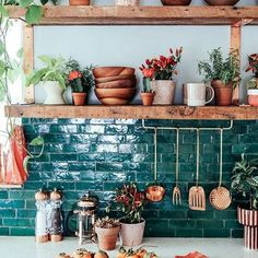 Don't miss these amazing interior design tips for your Kitchen! #modernlighting #contemporarylighting #modernhomedecor #KitchenDesignIdeas #KitchenLighting #ModernLighting