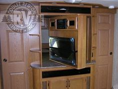 2012 EverGreen EverLite 35RBSDS Travel Trailer**Liked dual purpose TV**