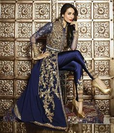 Looking to buy salwar kameez? ✓ Shop the latest dresses from India at Lashkaraa & get a wide range of salwar kameez from party wear to casual salwar suits! Pakistani Dresses, Indian Dresses, Asian Fashion, Look Fashion, Fashion Black, Indian Fashion Modern, Fashion Pants, Fashion Dresses, Indian Salwar Kameez