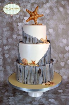 Decoración Pasteles y Cup Cakes. Shared by Career Path Design Beach Themed Cakes, Beach Cakes, Themed Wedding Cakes, Beautiful Cakes, Amazing Cakes, Ocean Cakes, Nautical Cake, Cupcake Cakes, Cup Cakes