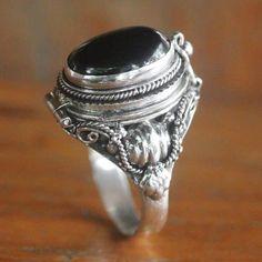 Grunge Jewelry, Gothic Jewelry, Silver Jewelry, Gothic Rings, Cute Jewelry, Jewelry Rings, Jewelery, Jewelry Accessories, Jewelry Box