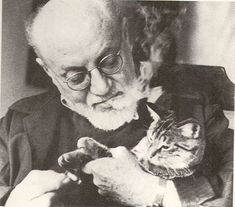 I don't care how famous you are, cats do not like cigarette smoke. Henri Emile Benoit Matisse (French artist/painter) with his cat, 1948 Henri Matisse, Monet To Matisse, Matisse Art, Crazy Cat Lady, Crazy Cats, I Love Cats, Cool Cats, Celebrities With Cats, Celebs