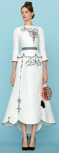 Ulyana Sergeenko Spring 2015 Couture - Collection - Gallery - www.Style.com/?utm_content=buffer5d22f&utm_medium=social&utm_source=pinterest.com&utm_campaign=buffer