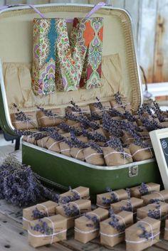 Sabonetes de lavanda para dar de lembrança em festas
