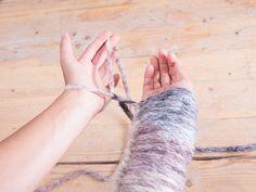 Tutoriel DIY: Tricoter une couverture avec les bras via DaWanda.com