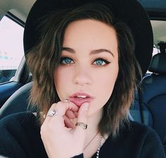 She's so pretty                                                       …
