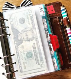 Cash envelope system for budgeting always works! - Finance tips, saving money, budgeting planner