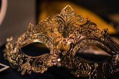 I just wanna go to a masquerade!